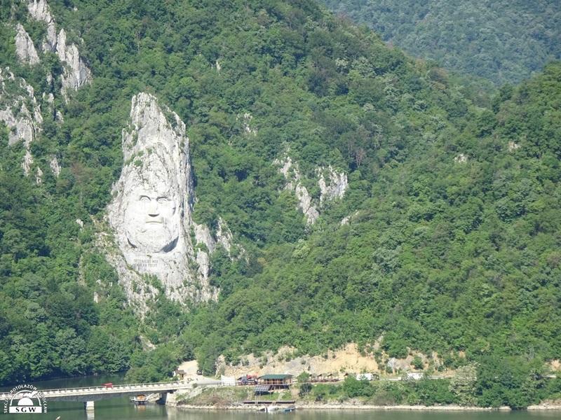 Płaskorzeźba Chipula lui Decebal_a, pięćdziesięciometrowa twarz, wykuta w skale Aut. Ewelina Raczyńska